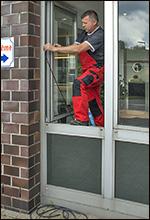 Fenster und Türen aus Aluminium abdichten