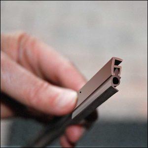 Zargo L18 - Kunststoff-Schiene - zum Abdichten von Fenstern und Türen