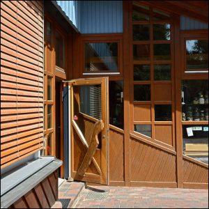 Athmer-Fingeschutz Nr. 30 an Außentür in Kita